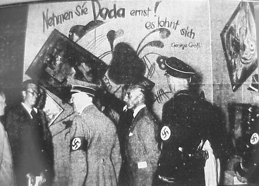 Adolf-Hitler-and-Adolf-Ziegler-visit-the-Degenerate-art-exhibition-1937. [Entarte Kunst]